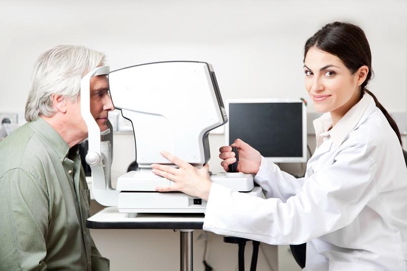 Həkim-oftalmoloq