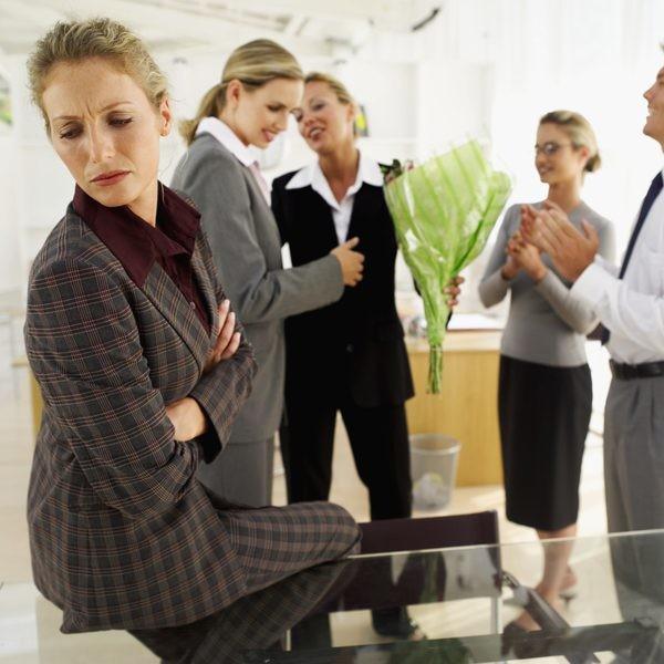 İş mühitində paxıllığı dəf etməyin yolları