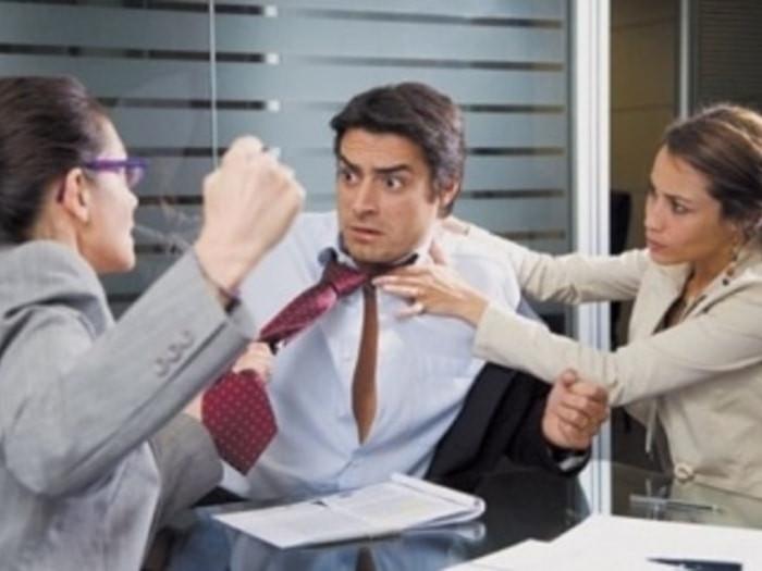 """İş yoldaşlarınızla """"dil tapmaq"""" qaydaları"""