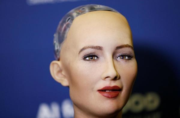 Dünyaca məşhur robot Sofiya Bakıya gəlir